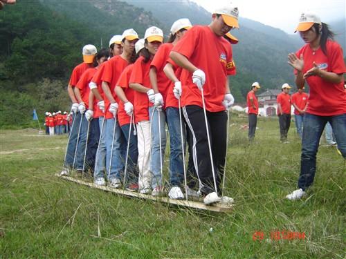 【清远拓展训练】清远红旗寨户外拓展培训、温泉、峡谷漂流、探险度假两天方案
