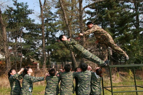 广州专业体验式培训、芙蓉峡度假、银盏温泉两天拓展方案_广州拓展训练