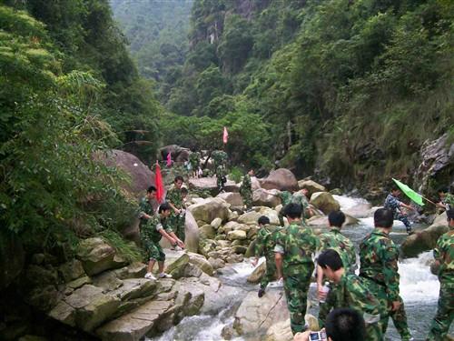 广州花都香草世界拓展训练、银盏温泉、探险度假两天培训方案