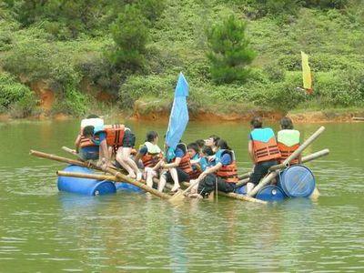 清远玄真雪狼拓展培训、温泉、峡谷漂流、丛林探险度假两天方案_清远拓展训练