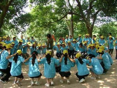 廣州笑翻天體驗式培訓拓展、百萬葵園、珠江夜游觀光休閑兩天培訓方案