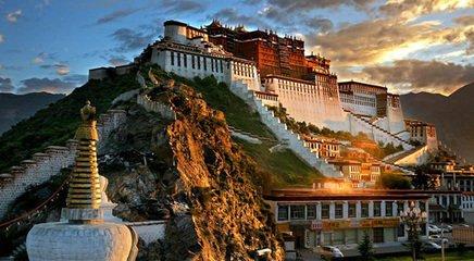 西藏拉萨布宫、大昭寺、纳木措、林芝、雅鲁藏布大峡谷、鲁朗林海双卧12日游