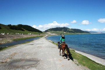 新疆那拉提草原、吐鲁番、天池双飞双卧六日游