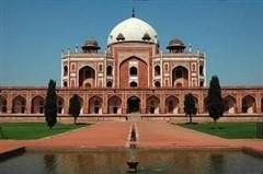 印度将限制本国游客每日参观人数以保护泰姬陵