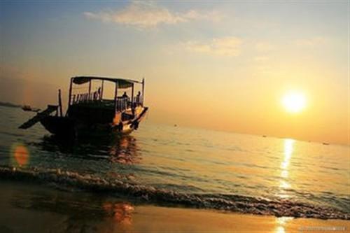 【惠州】<惠东双月湾2日游>出海捕鱼、沙滩露营、烧烤BBQ、看日出、观沙滩狂舞音乐晚会