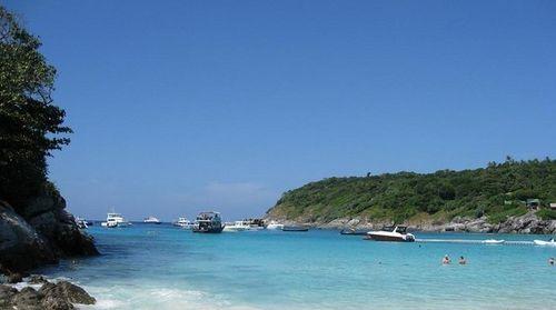 10月中旬去泰国旅游的费用,如何办理手续
