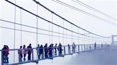 <清远古龙峡-牛鱼嘴2日游>惊魂玻璃桥、升级全程漂、银盏森林温泉、疯玩一夏
