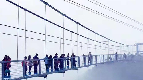 【清远】<清远古龙峡-牛鱼嘴2日游>惊魂玻璃桥、升级全程漂、银盏森林温泉、疯玩一夏