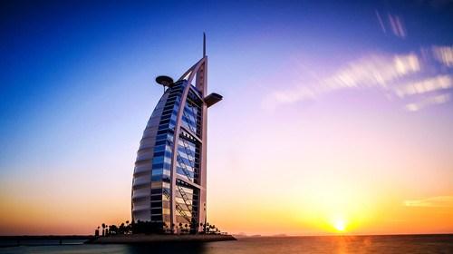 【迪拜】<阿联酋6日游>纸醉金迷 醉美迪拜 全程国际连锁五星 中式餐全面升级 CITY WALK步行街,巴斯塔基亚,香港国泰航空