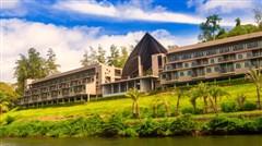 <泰国曼谷-芭提雅-桂河6日游>,到泰国桂河泡温泉去,玩漂流,骑大象,看大皇宫,罗马金宫人妖秀,含导游服务费