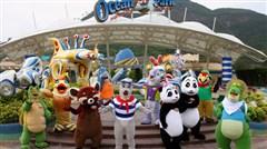 [春节]<港澳4日游>畅玩迪士尼,香港钟楼,乘天星小轮观夜景,米其林推荐餐厅享用晚餐,含每成人1张电话卡,入住8度海逸