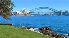 <澳大利亚名城+新西兰北岛10天游>悉尼歌剧院、蓝色海洋路、可伦宾动物园、黄金海岸游船、毛利文化村、爱歌顿皇家牧场、蓝泉、含签证和导服费