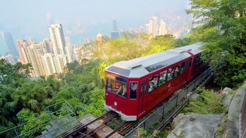 【香港】<香港2日游>0购物,古迹钟楼,太平山缆车,天星小轮,中环摩天轮外观,1天自由活动,含每成人香港电话卡1张,住市区酒店