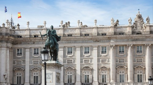 【西班牙】[五一]<西班牙一地9日游>深圳出发,全程四星,入内马德里皇宫,巴塞罗那,瓦伦西亚,奥运会场,升级斗牛餐厅特色餐,拉斯咯扎购物村,充分深度游