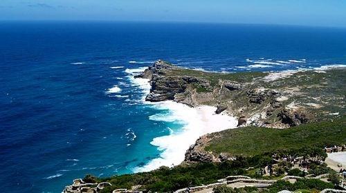 【南非】<南非约翰内斯堡-开普敦8日游>香港CX/SA直飞,入住1晚非洲特色酒店,游比林斯堡动物园、太阳城、信号山、好望角、游览两大酒园