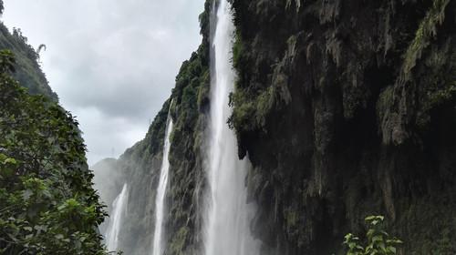 <清远汽车1日游>深圳出发、龙腾峡高空玻璃桥漂流、石马瀑布玻璃桥